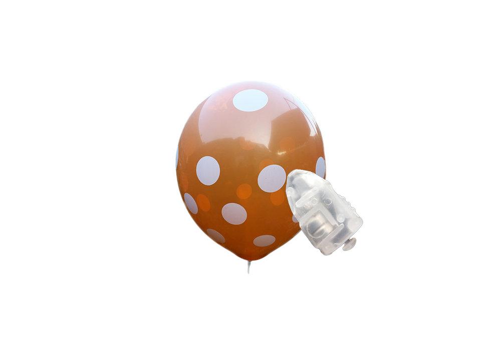 5 stuks ledverlichte Oranje ballonnen met witte stippen  30 cm met losse LED-lampjes