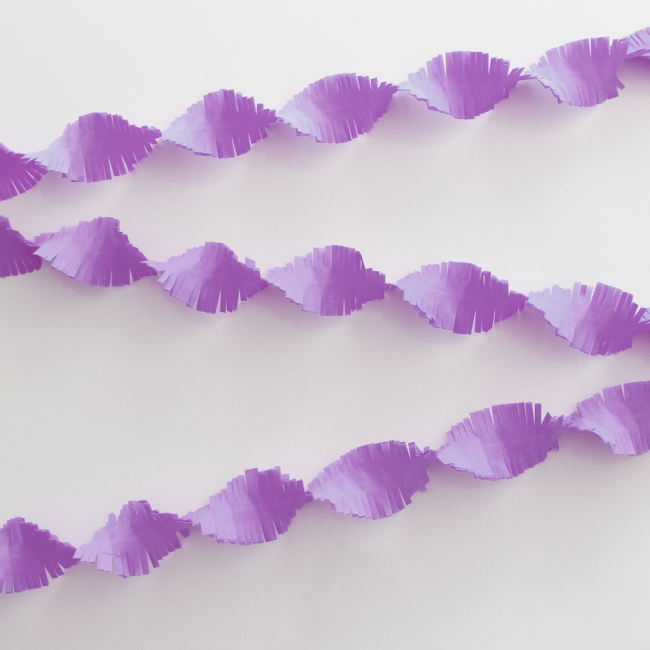 Crepe Garland 24m - Flameproof - lilac