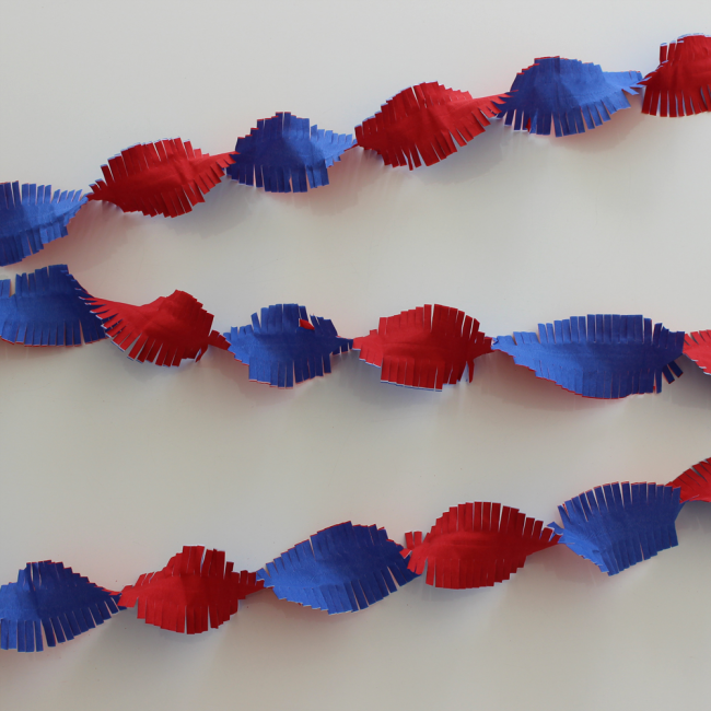 Crepe Garland 24m - Flameproof - red-white-blue